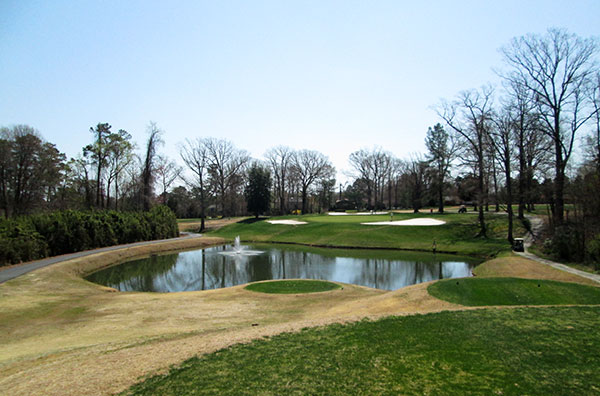 The 17th hole at Meadowbrook Country Club. (Photos by Michael Schwartz)
