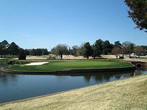 Meadowbrook's ninth hole.