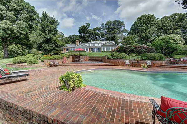 Amenities include a pool and a party barn.
