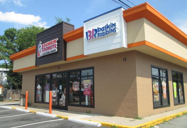 The Dunkin' Donuts location at 11 S. Nansemond St. (Photo by Michael Schwartz)