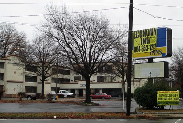 The 99-room Economy Inn at 1600 Robin Hood Road. (Photo by Burl Rolett)