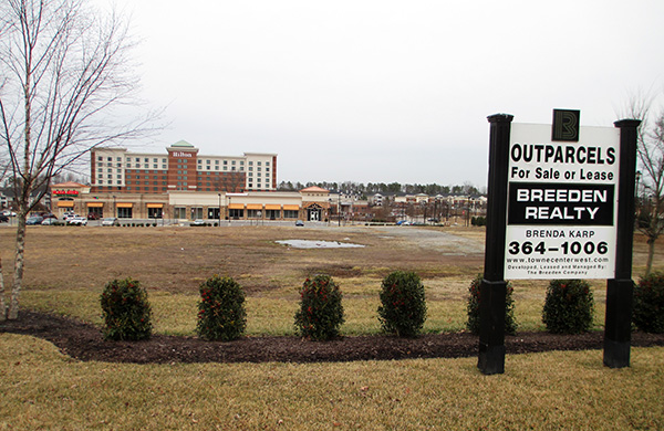 BJ's Restaurant & Brewery is planning an 8,376-square-foot location at 12010 W. Broad St. (Photos by Michael Thompson)