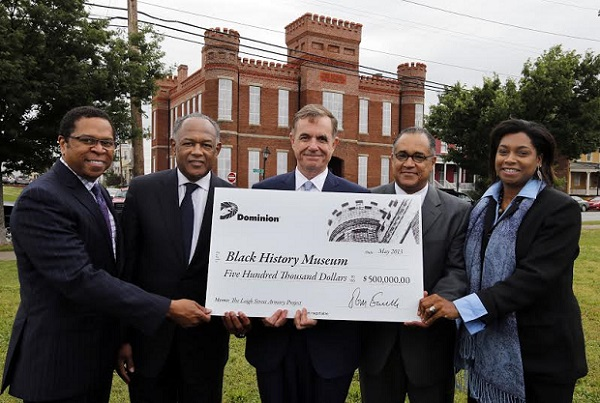 Black History Museum Capital Campaign Chairman Monroe Harris, Mayor Dwight Jones, Dominion Resources President and CEO Thomas Farrell, museum President Stacy Burrs and museum Executive Director Maureen Elgersman Lee. Courtesy of Dominion
