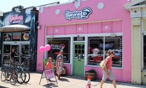 Carytown Cupcakes opened in