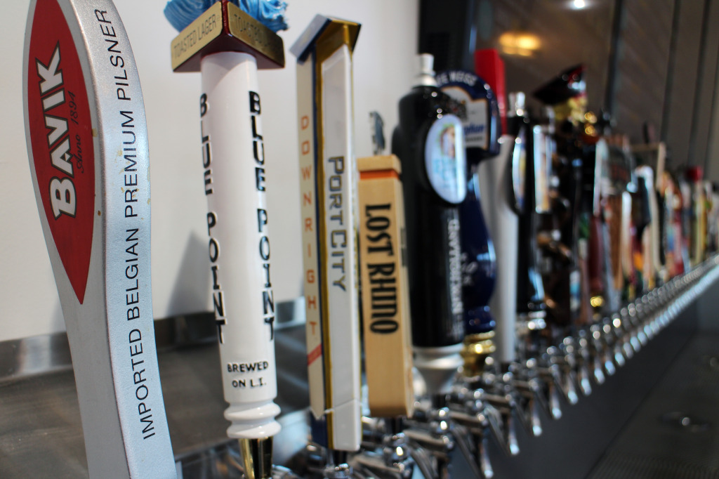A new shop on Boulevard  is filling beer growlers.
