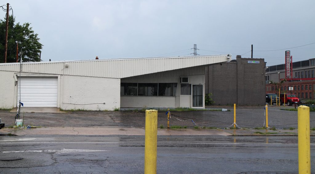 The building at 1300 N. Boulevard has been leased to a restaurant company. Photo by Michael Thompson.