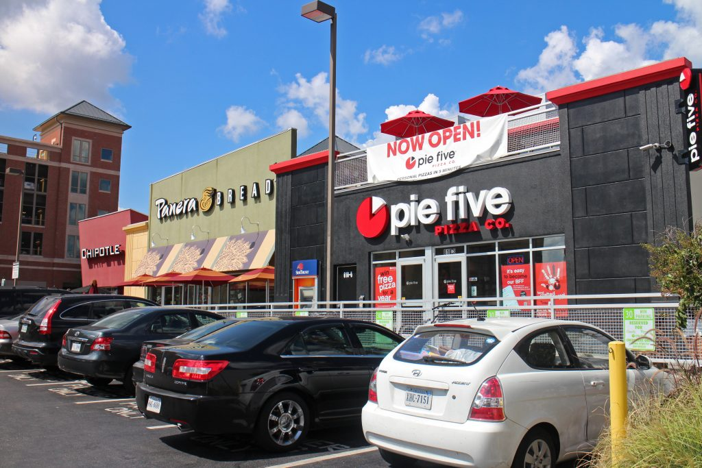 Pie Five recently opened next to Panera and Chipotle near VCU. Photos by Michael Thompson.