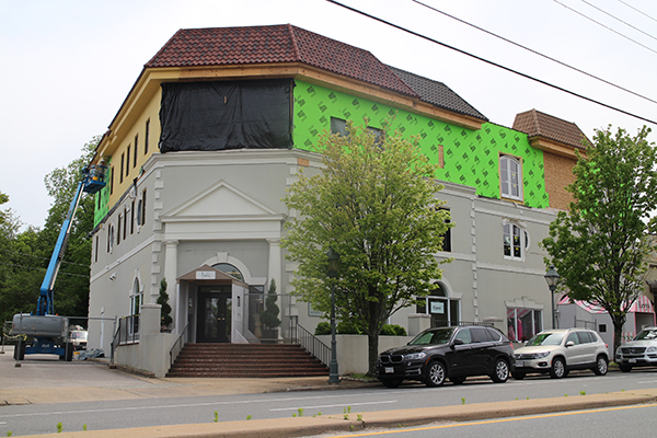 The Chadwick at Grove project is adding a third story to the building to accommodate condos. Photos by Jonathan Spiers.