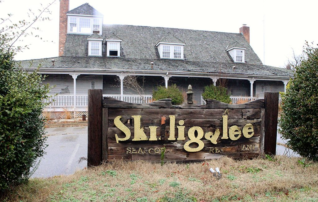 The former Skilligalee building will son be demolished to make way for a Residence Inn hotel. (J. Elias O'Neal)