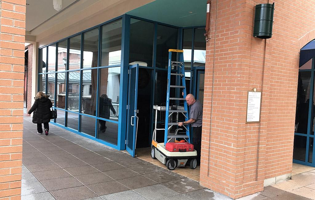 Tara Thai, on the second floor of Short Pump Town Center, closed its doors Dec. 31. (J. Elias O'Neal)
