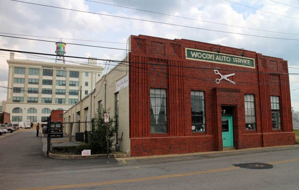 The Woody's Auto Service building at 929 Myers St. was purchased for $1.4 million. (Jonathan Spiers)
