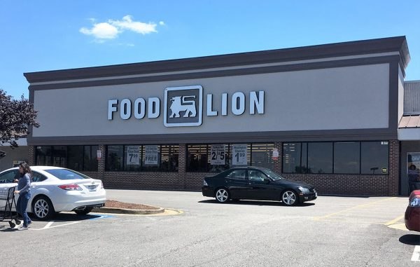 New Grand Mart will replace the Food Lion at the West Broad Commons Shopping Center. (J. Elias O'Neal)