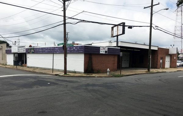 The former Conner Brothers Body Shop at 1008 N. Sheppard St. will be redeveloped into an office/restaurant space. (J. Elias O'Neal)