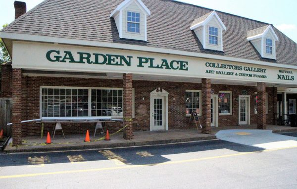 Great Harvest will open in the space previously occupied by Garden Place. (J. Elias O'Neal)
