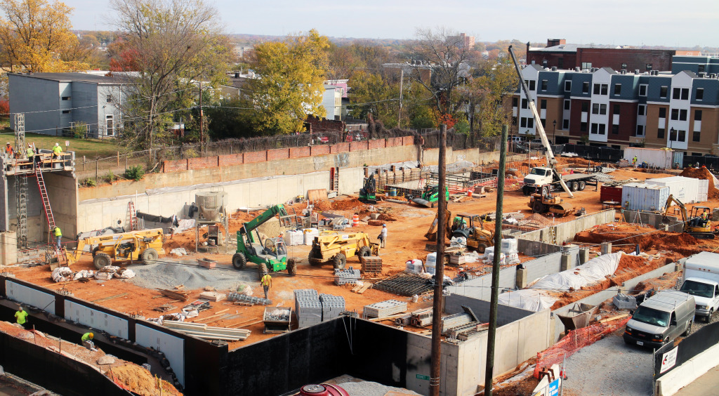 Construction crews work on VCU's upcoming basketball practice facility. Photo by Burl Rolett.